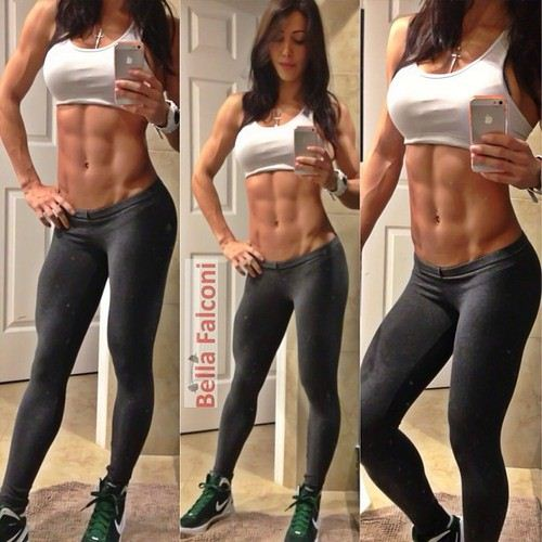 girl with no belly fat and abs